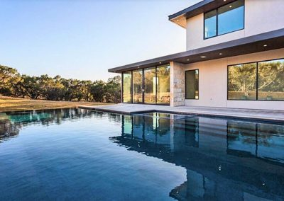 Custom Geometric Pool Design - Vanishing Edge - Austin Texas